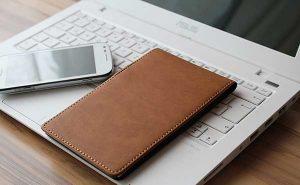 Sicherheit für das Handy - Handyversicherungen und Handytaschen